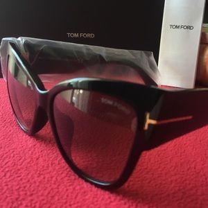 119779449b8 Tom Ford Accessories - Tom Ford TF 371-F Anoushka 01B Black Gold Cateye